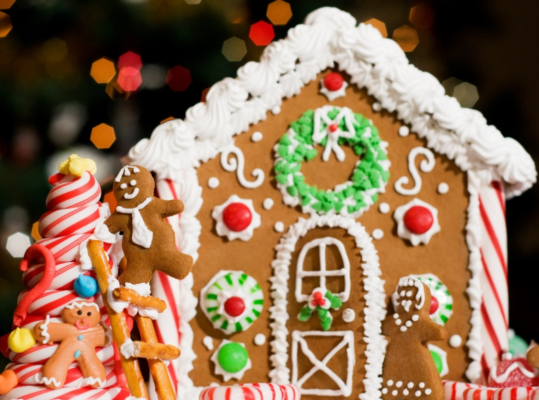 the-feast-gingerbread-house